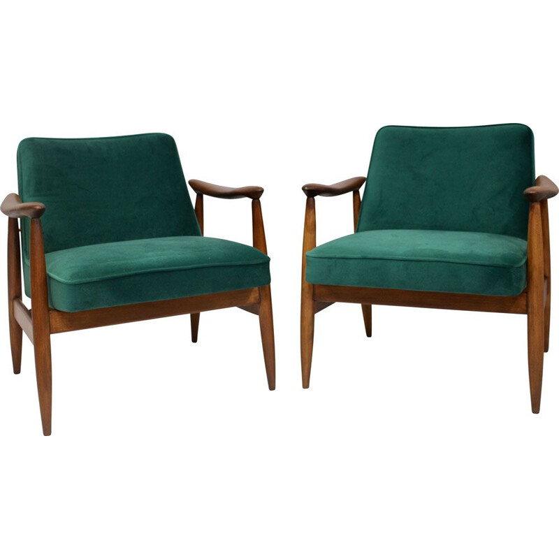 Pair of vintage armchairs GFM-87 Juliusz Kedziorek green velvet fabric 1960