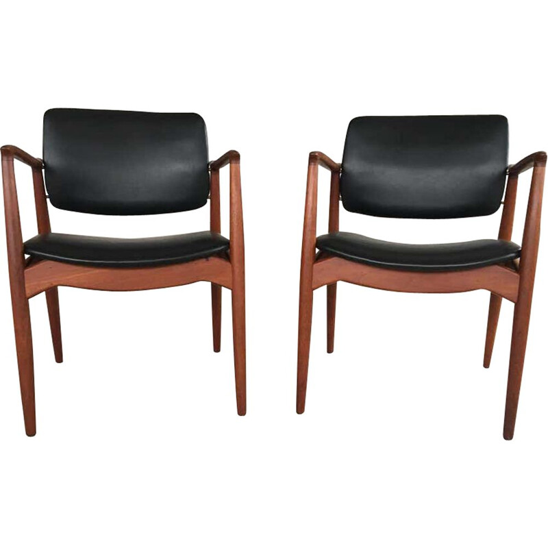 Pair of vintage Model 67 Captains Chair in Teak, Erik Buch 1960s