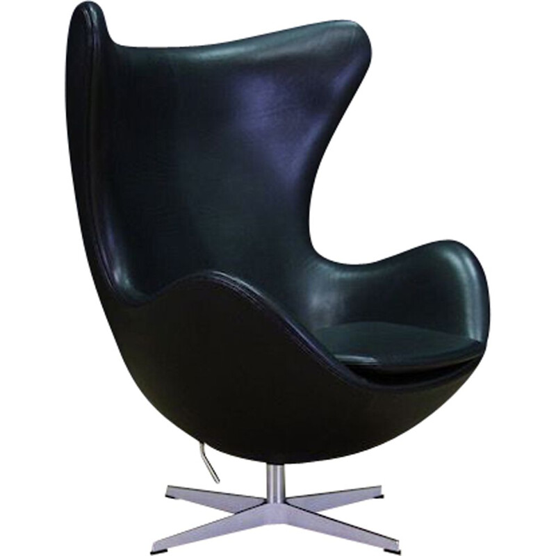 Vintage armchair Model 3316 by Arne Jacobsen for SAS Hotel in Copenhagen Danish 2007