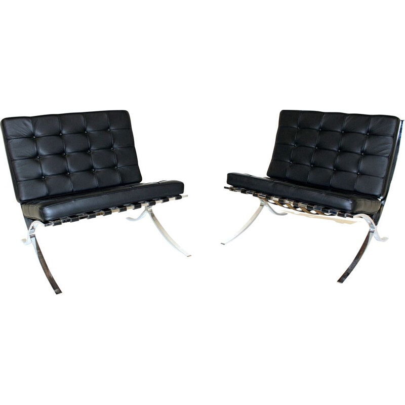Pair of Vintage Easy Chairs by Ludwig Mies van der Rohe for Knoll Inc.  Knoll International, Barcelona 1967
