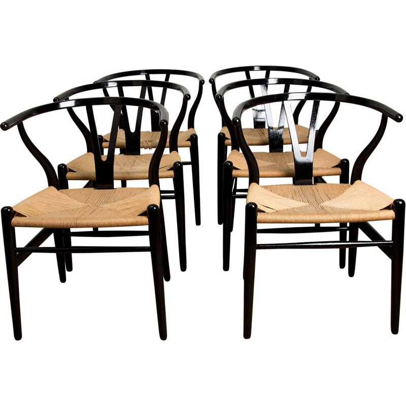 "Series of 6 vintage chairs model CH24 ""Wishbone Chair"" by Hans Wegner Danes 1949"