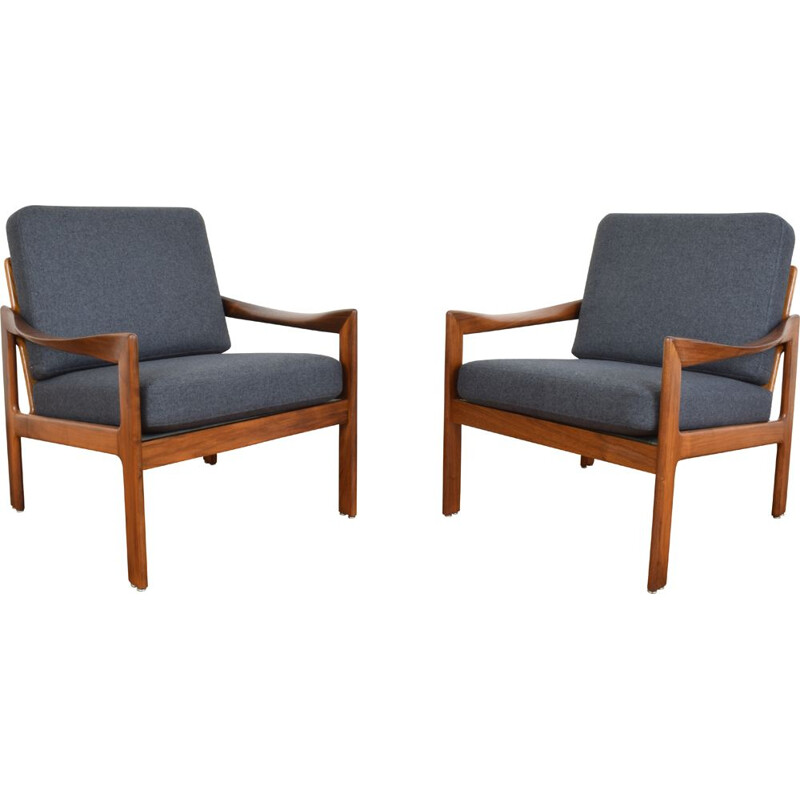Pair of lounge chairs by Illum Wikkelsø for Danish Niels Eilersen, 1960