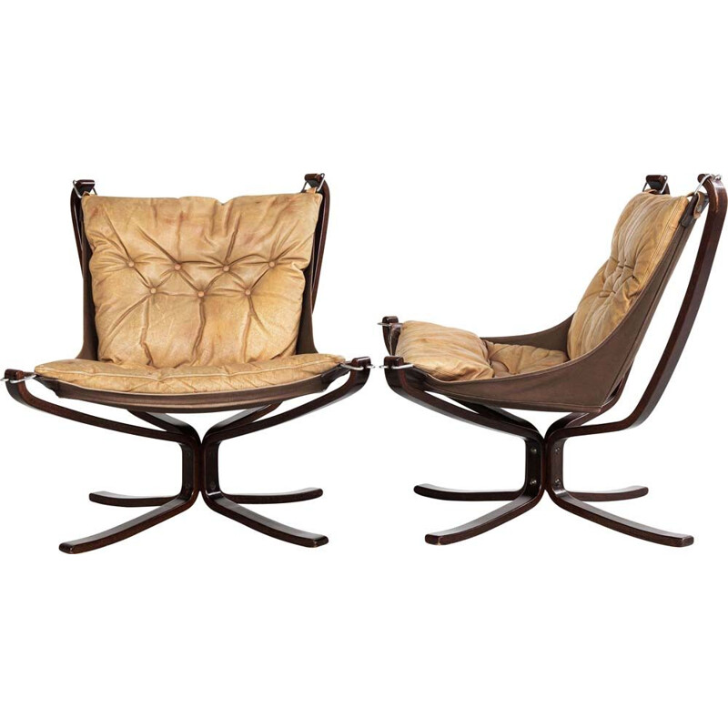 Pair of vintage low back Falcon Chairs in leather by Sigurd Ressell for Vatne Möbler 1970s