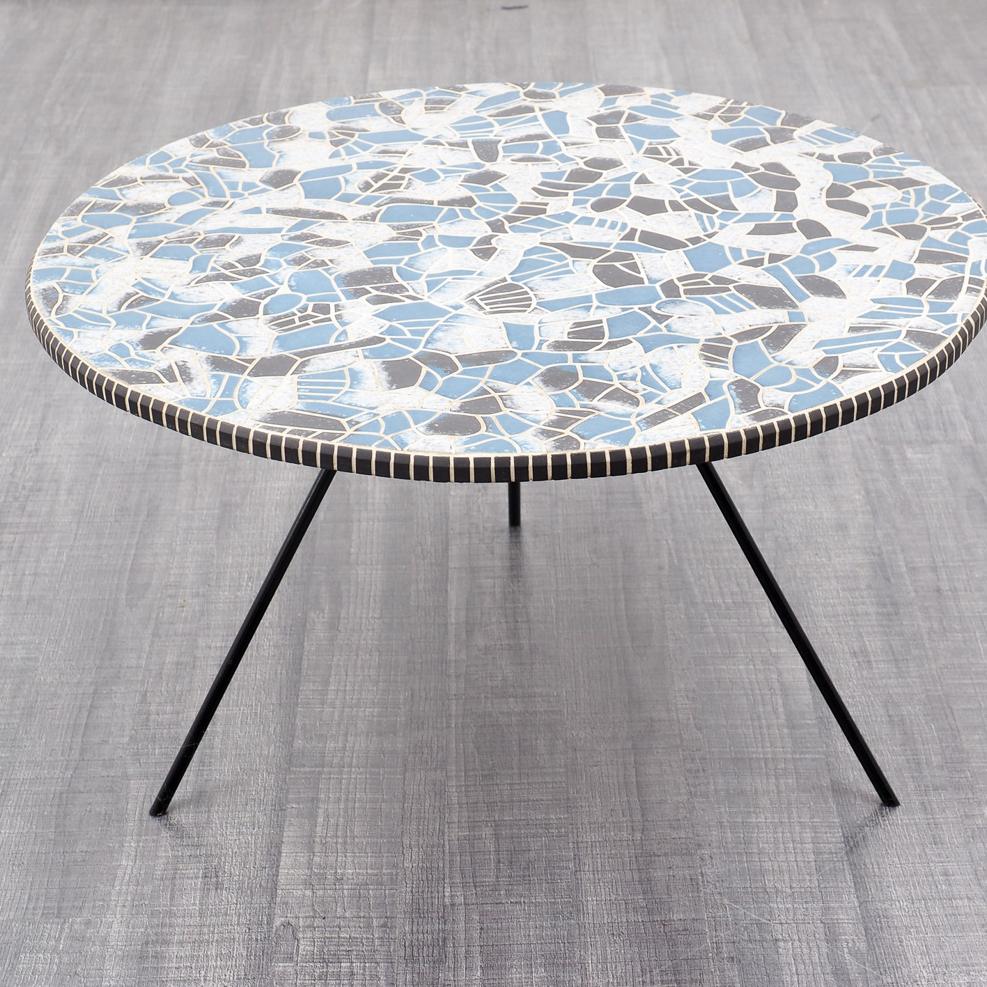 Round Retro Coffee Table: Round Vintage Coffee Table With Blue, Black And Grey