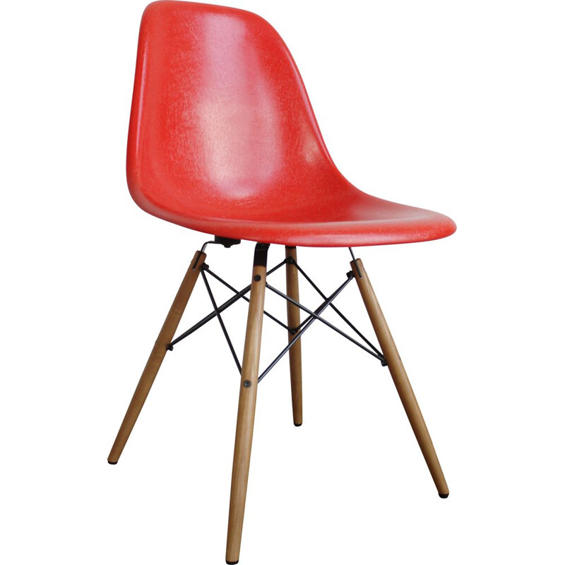 Vintage  Eames Vitra Chair Side Shell DSW Fiberglass New Generation 2019