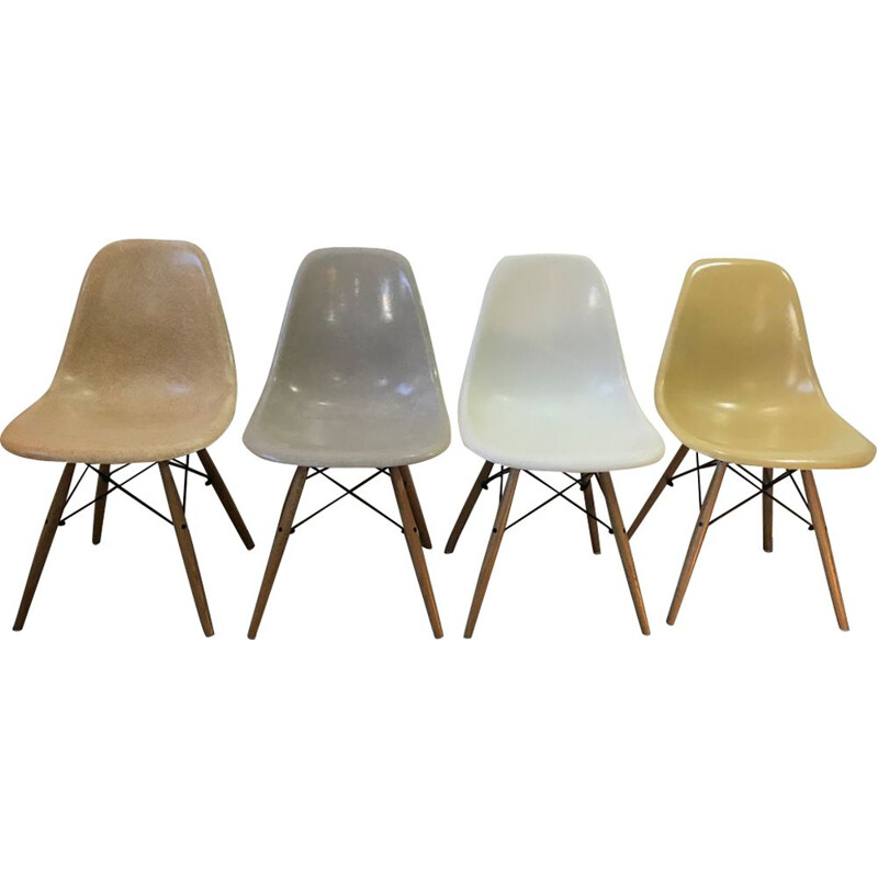 Set of 4 vintage chairs Dsw Eames Herman Miller light oak 1950