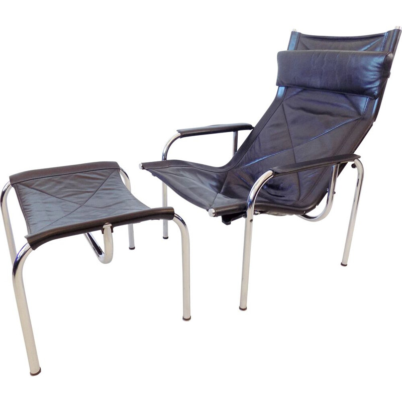 Vintage Strässle HE1106 black Leather Loungechair with ottoman by Hans Eichenberger 1960