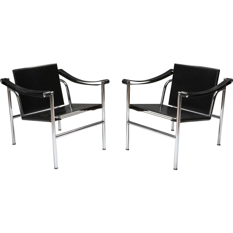 Pair of Vintage LC2 Le Corbusier, Pierre Jeanneret, Charlotte Perriand 1965