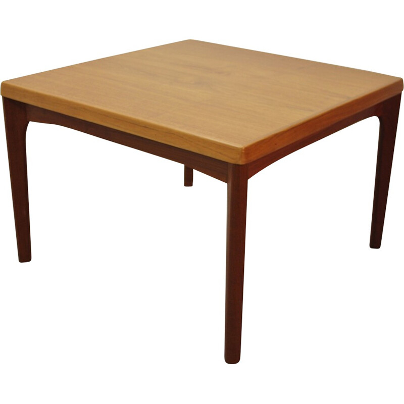 Mid-century Scandinavian coffee table in teak, Henning KJAERNULF - 1960s