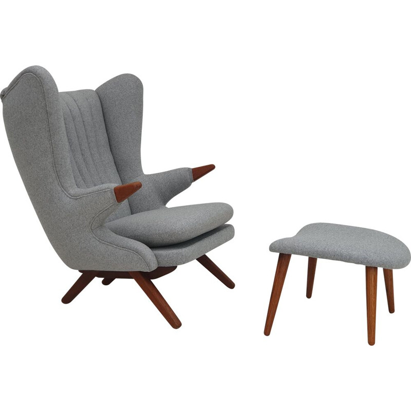Vintage fully upholstered Danish chair by Svend Skipper, 1970