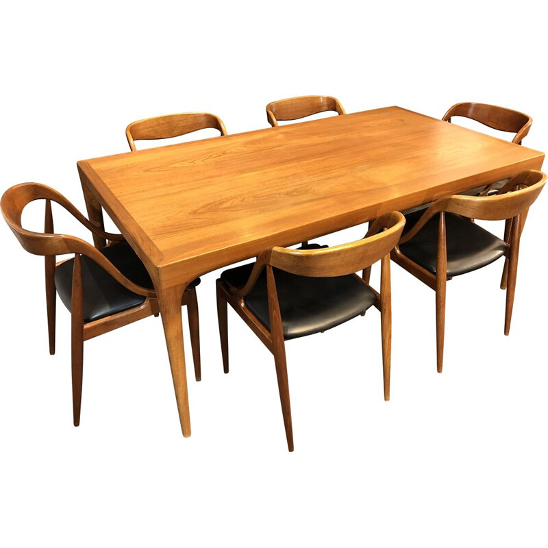 Set of 6 chairs with large table by Johannes Andersen for Uldum Mobelfabrik