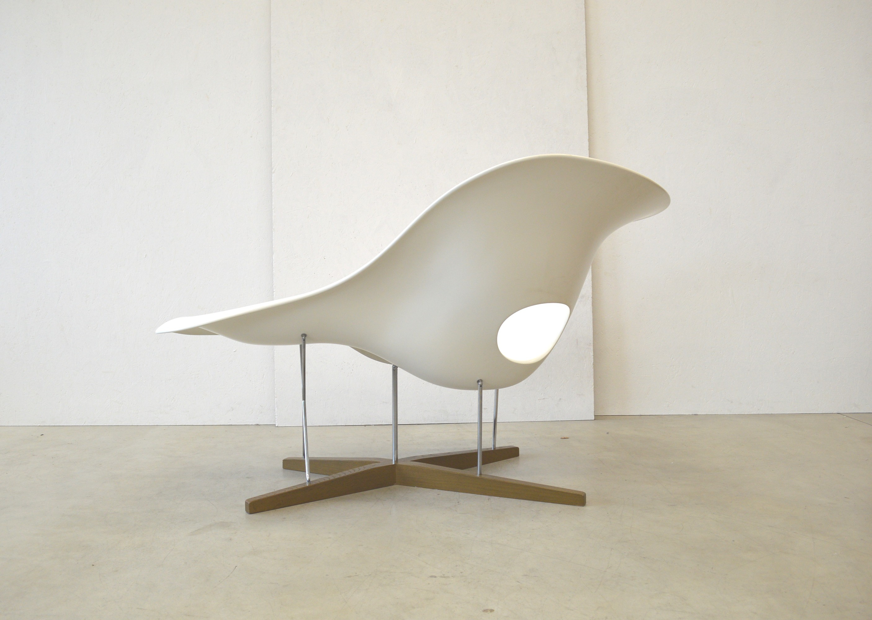 Chaise vitra panton for Chaise ray eames