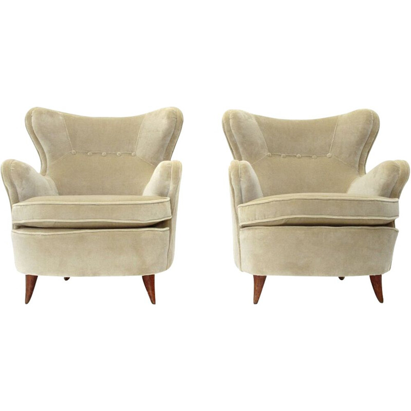 Pair of vintage cream white velvet armchairs, Italian 1940