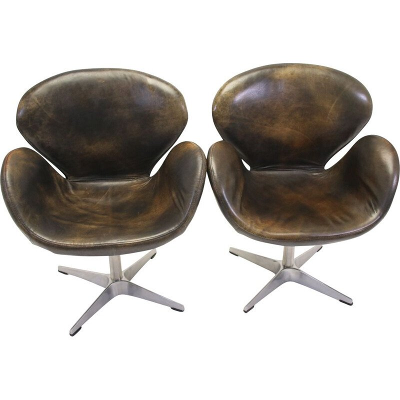 Pair of Vintage Swan Armchair by Arne Jacobsen for Fritz Hansen 1970