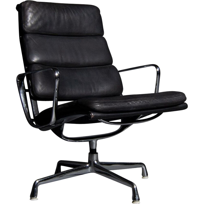 Vintage Eames lounge armchair model EA 216 soft pad black