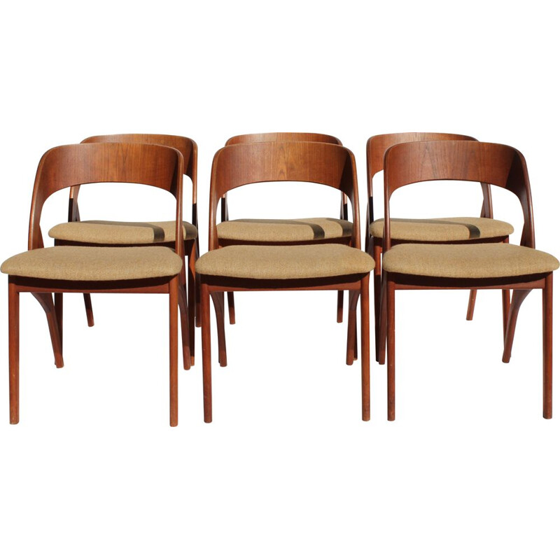 A set of 6 vintage dining room chairs in teak and light fabric of danish 1960s
