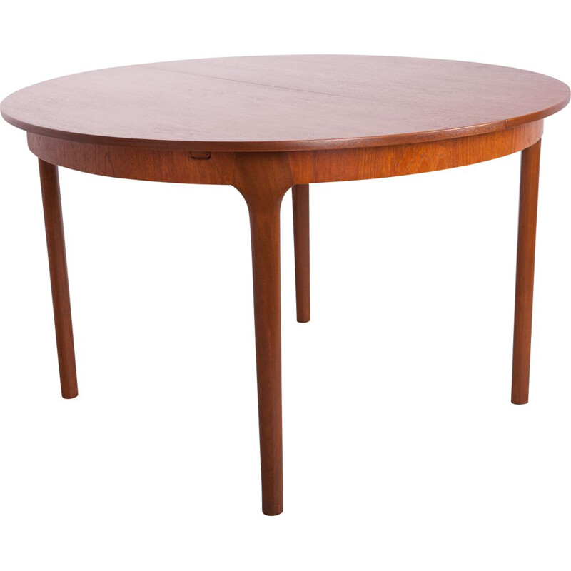 Vintage Round Extendable Dining Table from McIntosh 1960s