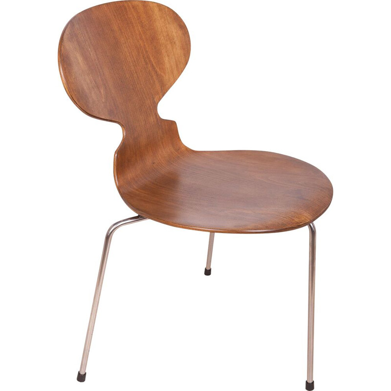 "Arne Jacobsen's vintage ""ant"" chair for Fritz Hansen 1960"