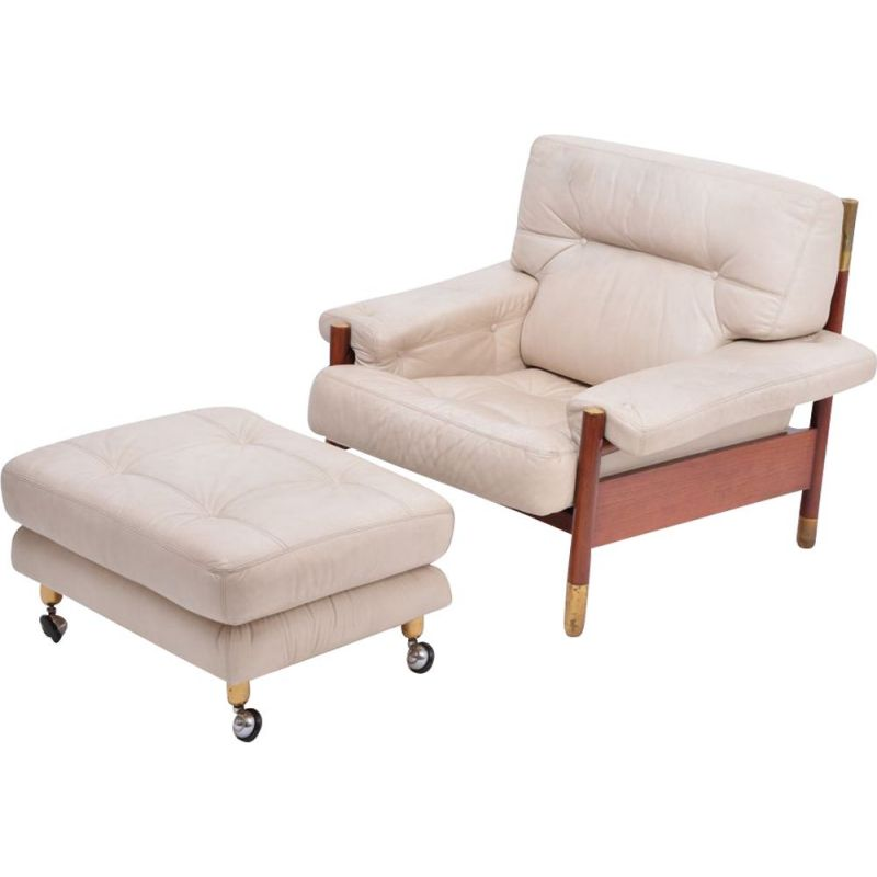Vintage lounge armchair with Ottoman in beige leather by Carlo de Carli, Italy 1960