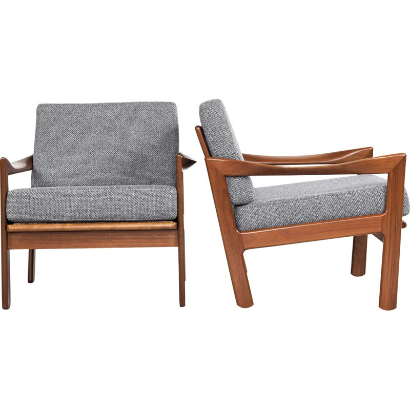 Midcentury pair of easy chairs in teak by Illum Wikkelsø for Eilersen Danish 1960s
