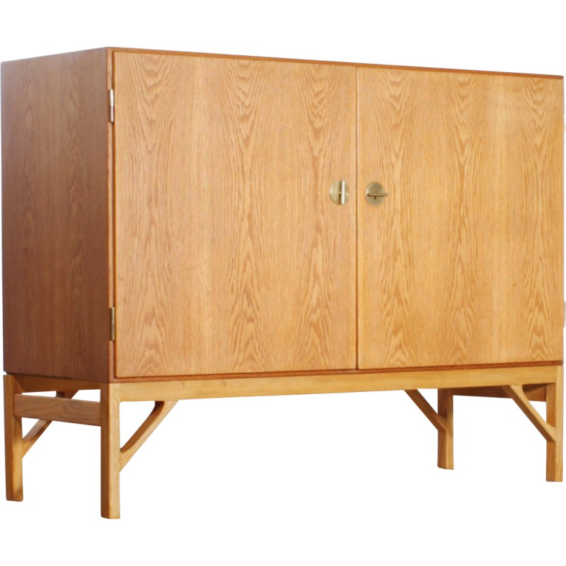 Small Mid Century Sideboard In Oak Borge Mogensen 1950s Design