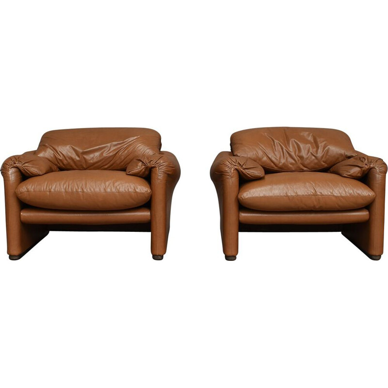 Pair of Vintage Maralunga lounge chairs by Vico Magistretti for Cassina 1973