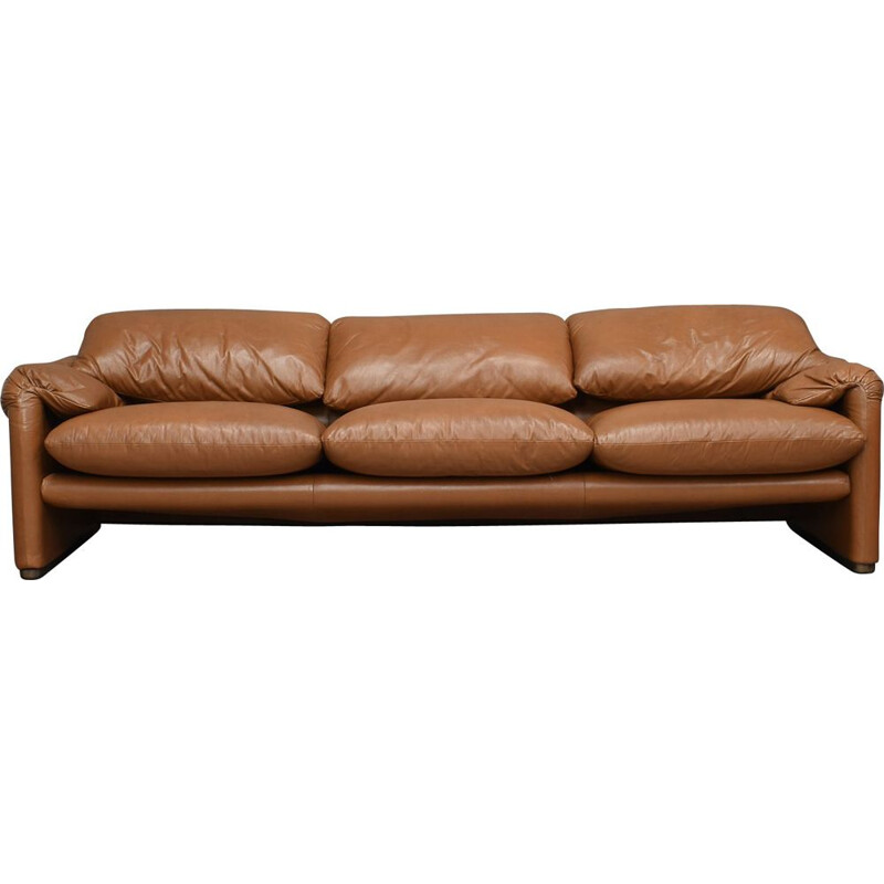 Vintage Maralunga sofa by Vico Magistretti for Cassina 1973