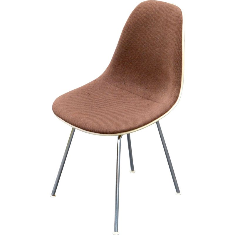 "Vintage ""DSX"" chair by Charles and Ray Eames Herman Miller in fiberglass"