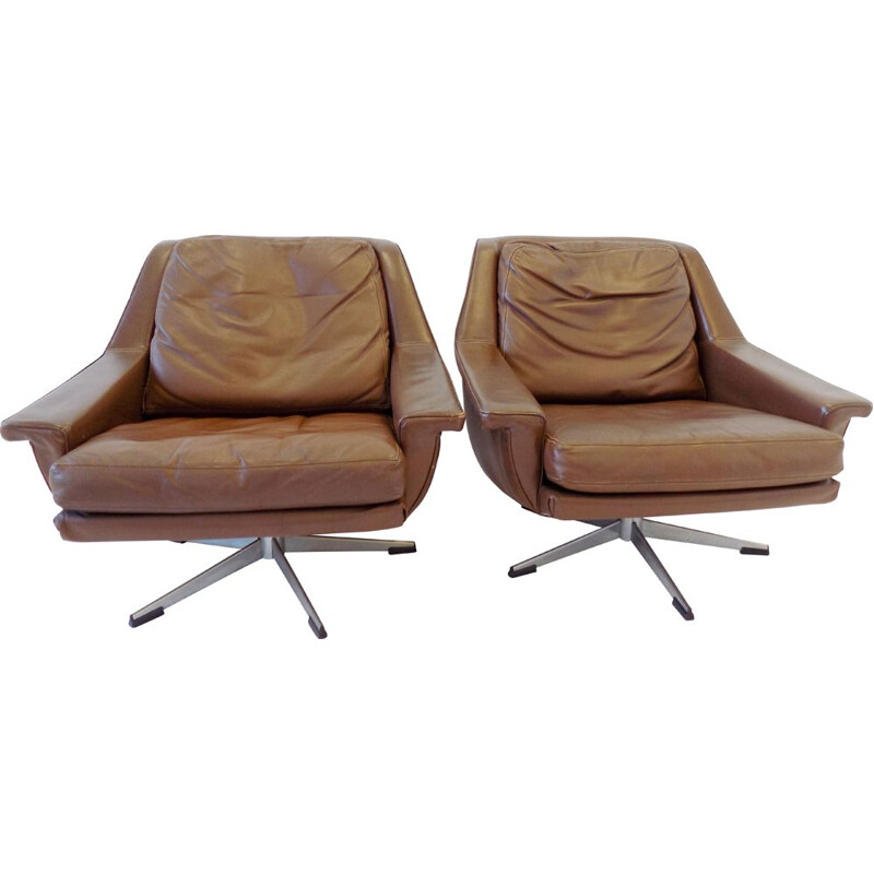 Pair of vintage brown leather armchairs, model ESA 802, by Werner Langenfeld