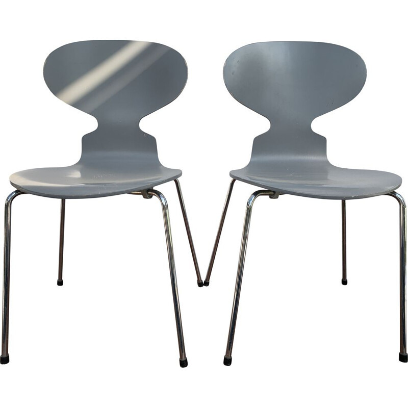 Pair of vintage chairs Ant Fritz Hansen Arne Jacobsen 2002