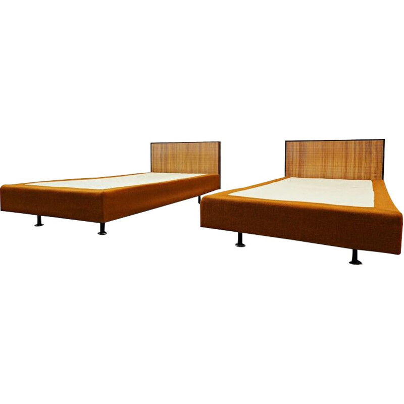 Pair of vintage knoll beds, 1950