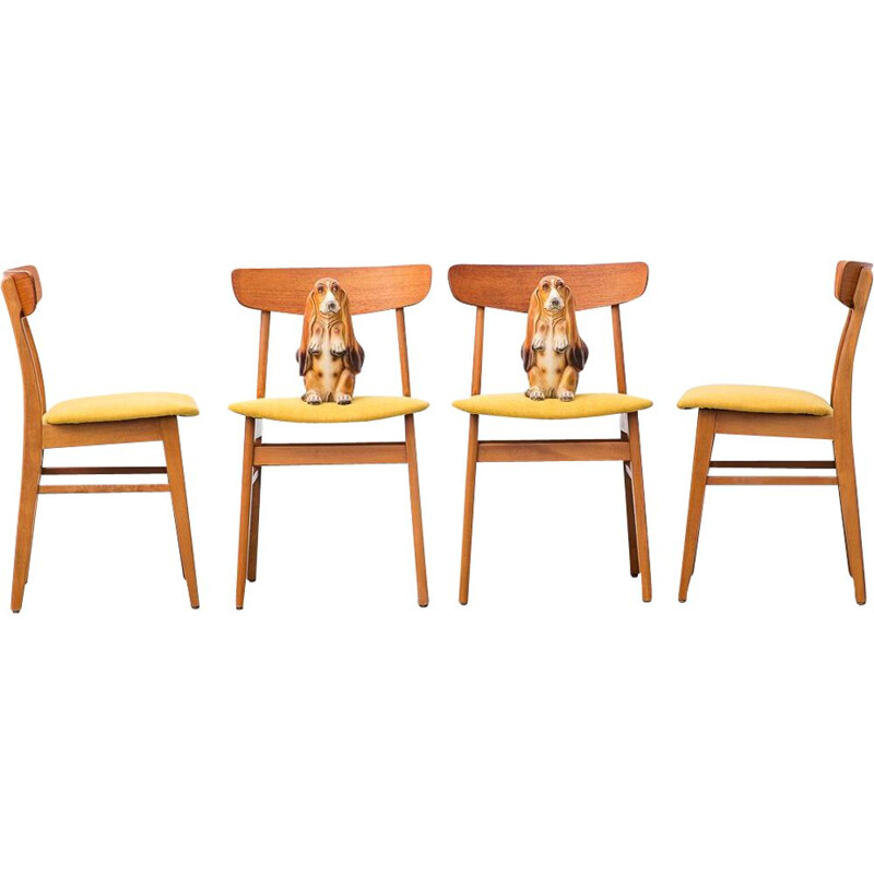 Set of 4 vintage chairs Mosbøl Findahls Møbelfabrik Danish 1962