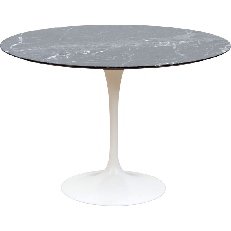 Vintage Tulip dining table in Marquina marble
