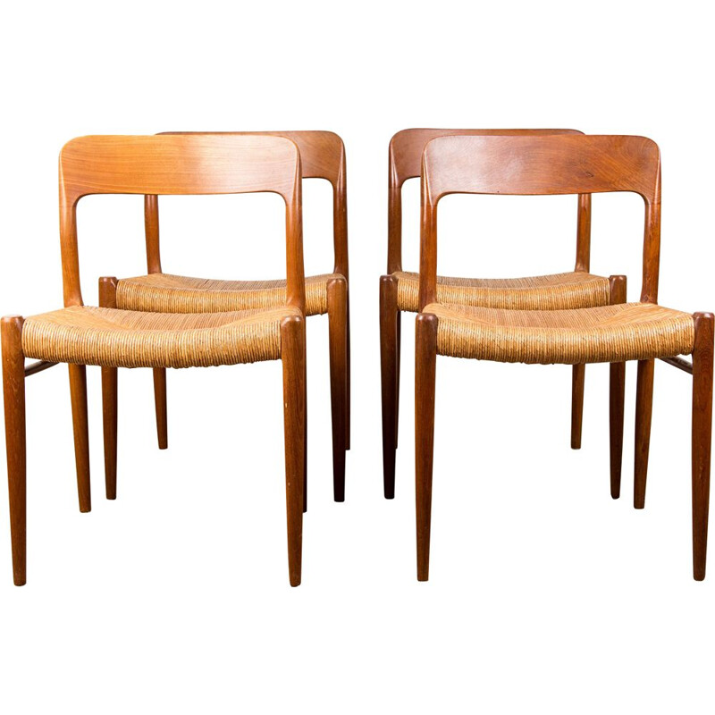 Suite of 4 vintage chairs in Teak and mulch, model N 75 by N.O.Moller Danoises