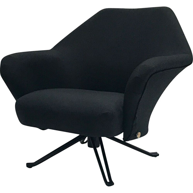 Vintage armchair P32 by Osvaldo Borsani for Tecno SpA 1970
