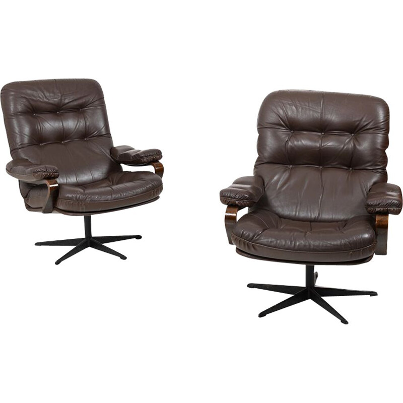 Pair of vintage Swivel Lounge Chairs in brown Leather Danish 1970
