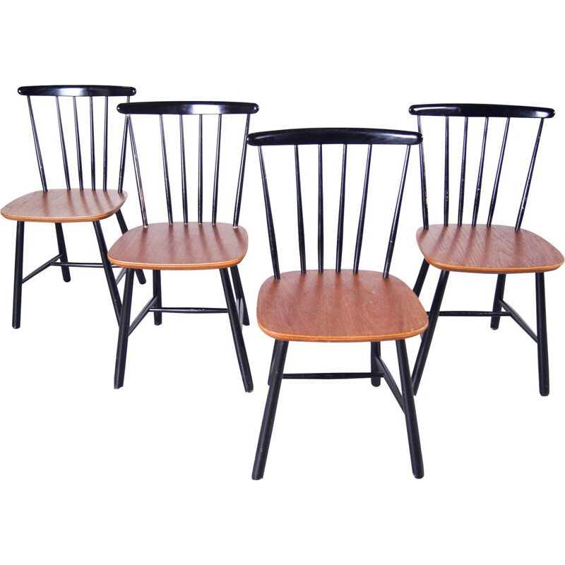 Set of 4 Vintage Wooden Spindleback Chairs Danish 1960