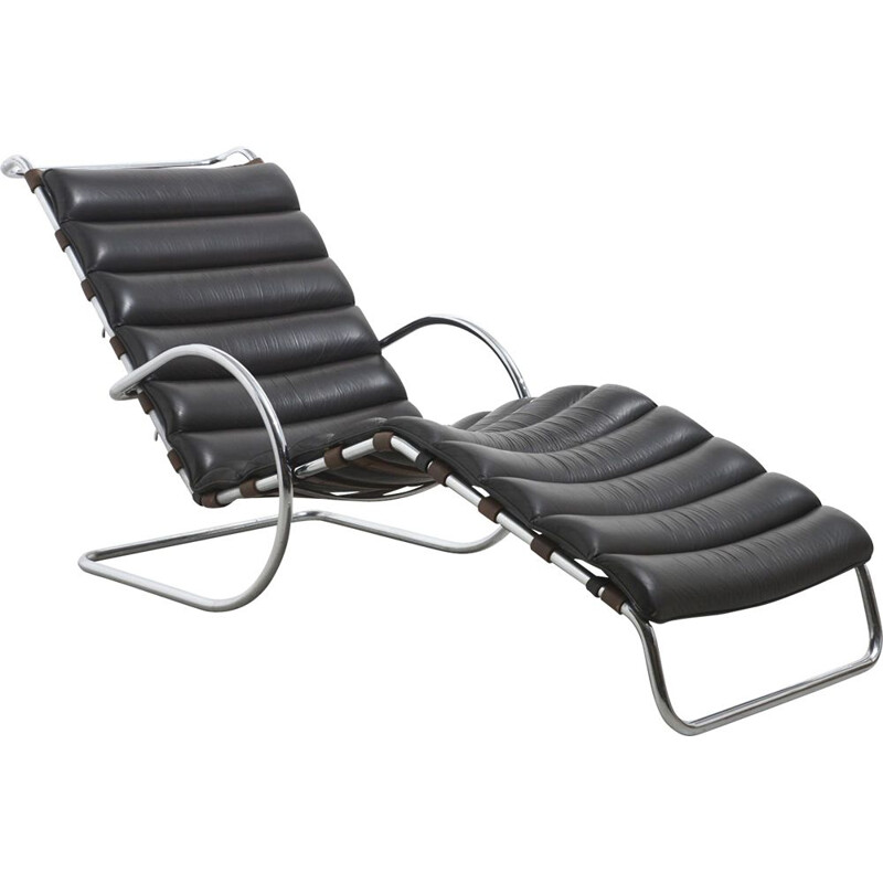 Vintage Leather MR Chaise Longue by Mies van der Rohe Manufactured by Knoll international, Italy 1960s