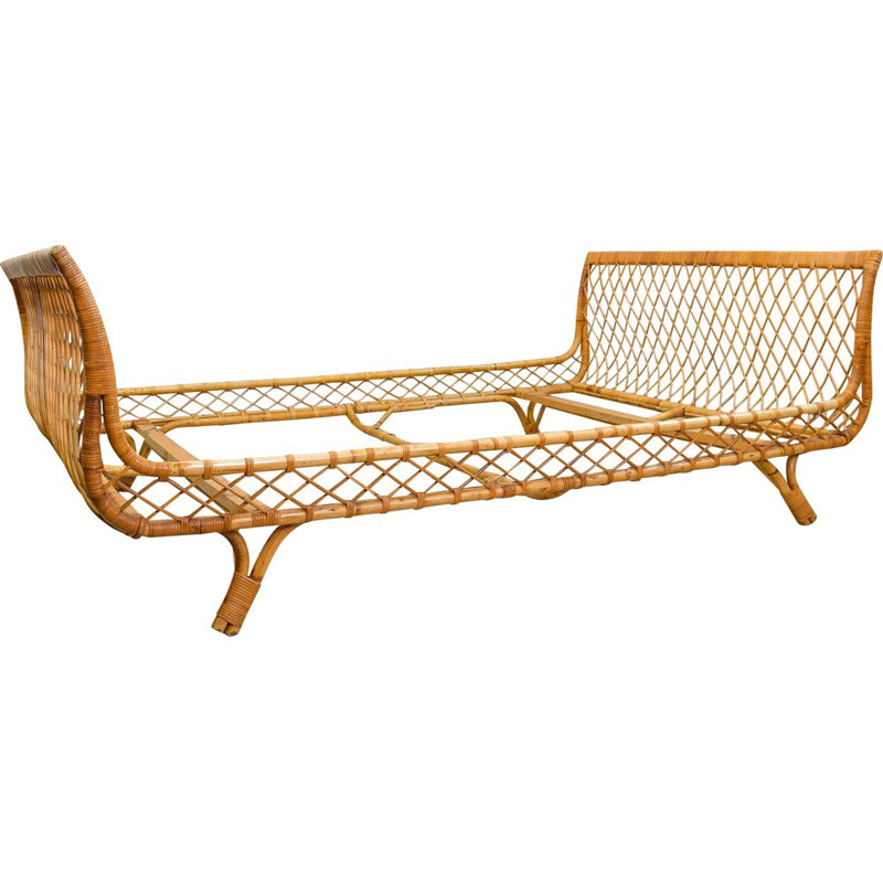 Vintage resting bed in bamboo and rattan