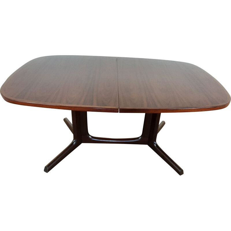 Mid century rosewood extendable dining table by Niels Koefoed Hornslet