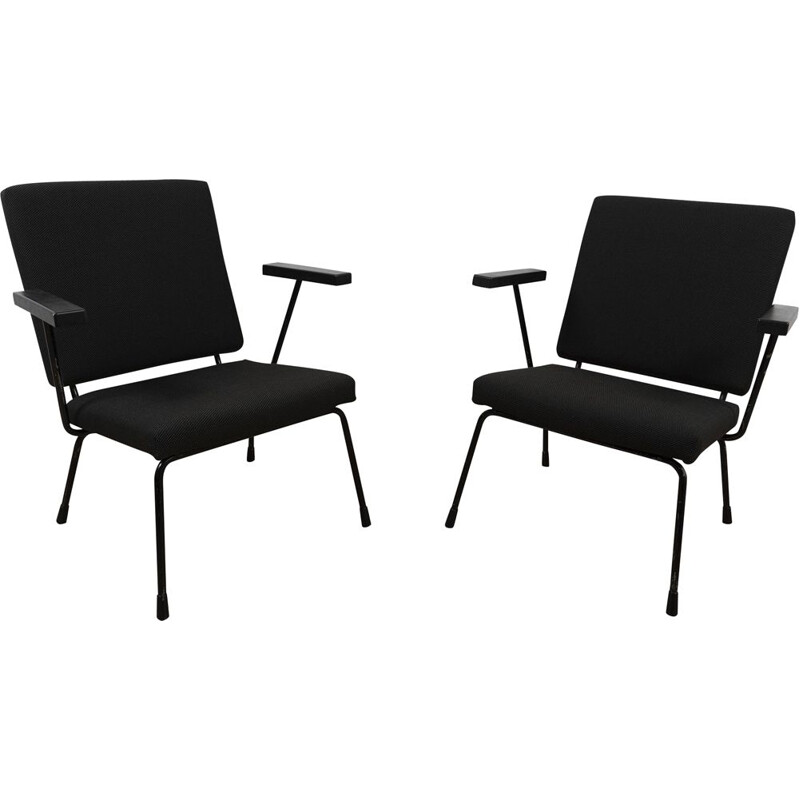 Pair of Vintage Model 1407 lounge chair by Wim Rietveld and A.R. Cordemeyer