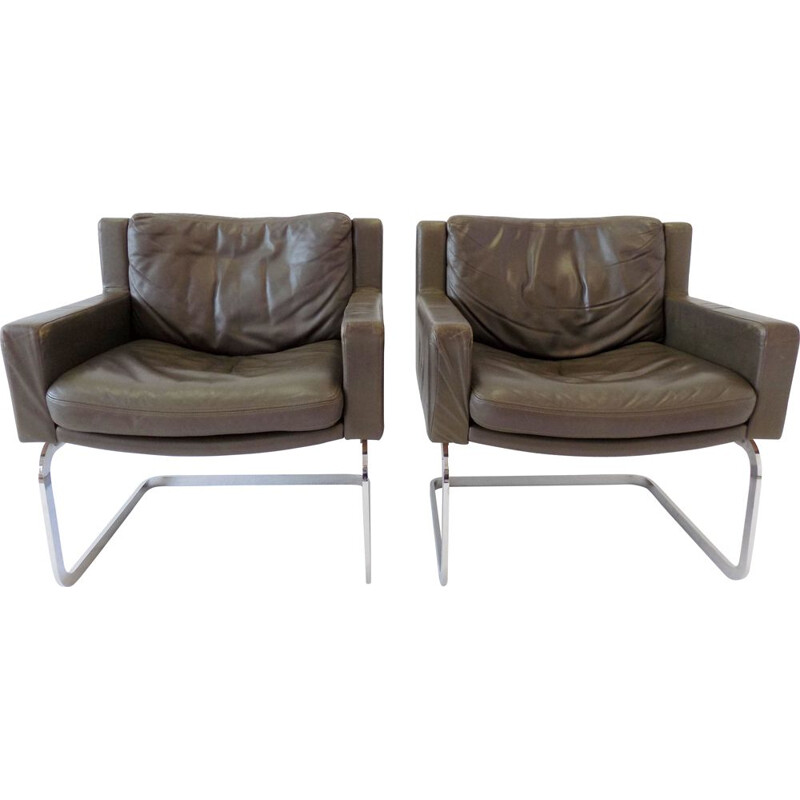 Pair of Vintage armchairs De Sede RH 201 olive green leather  by Robert Haussmann