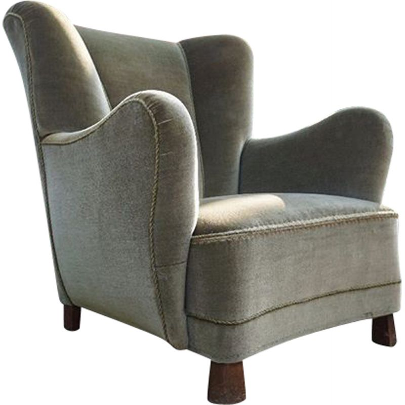 Vintage wingback easychair by a danish cabinetmaker 1940s
