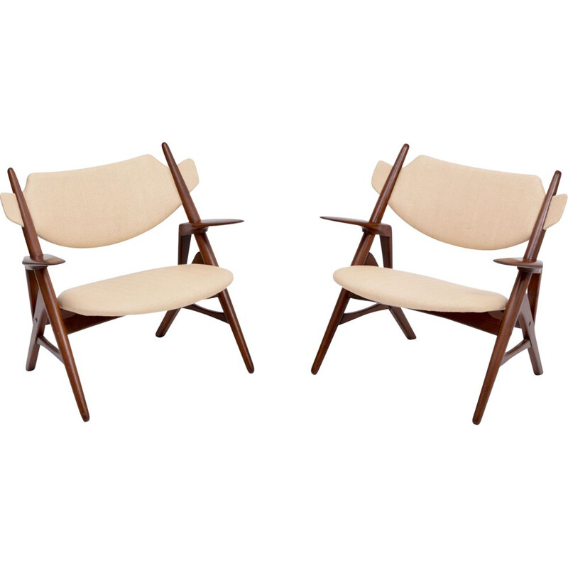 Pair of Mid-Century Modern chairs Hans Wegner Sawbuck chair 1950