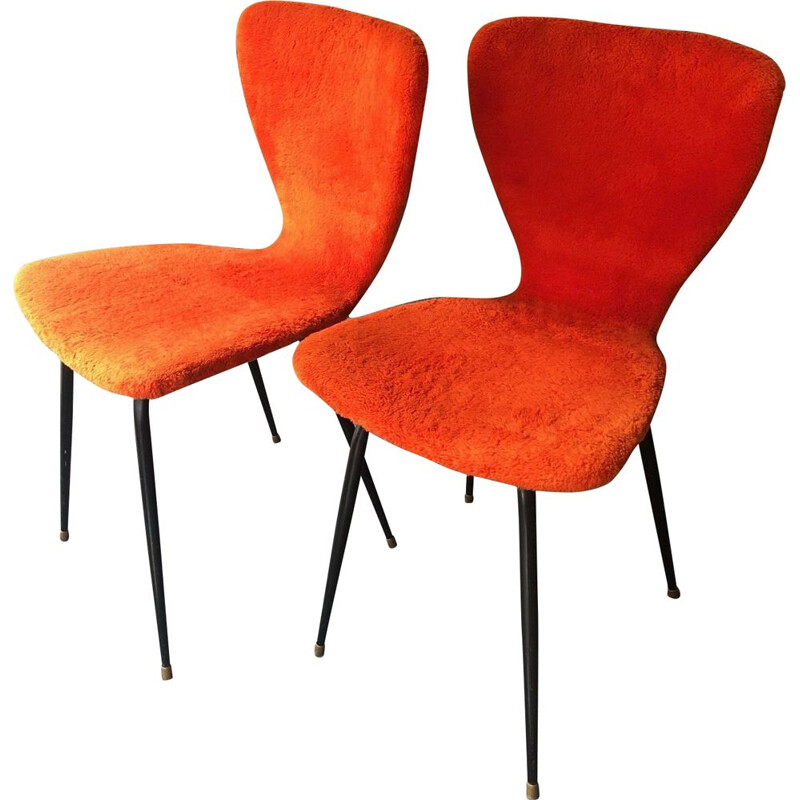 Pair of vintage en faux fur red 1950 chairs