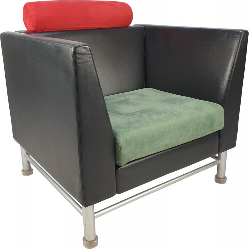 Vintage East Side Lounge Chair by Ettore Sottsass for Knoll Inc.  Knoll International, 1980s