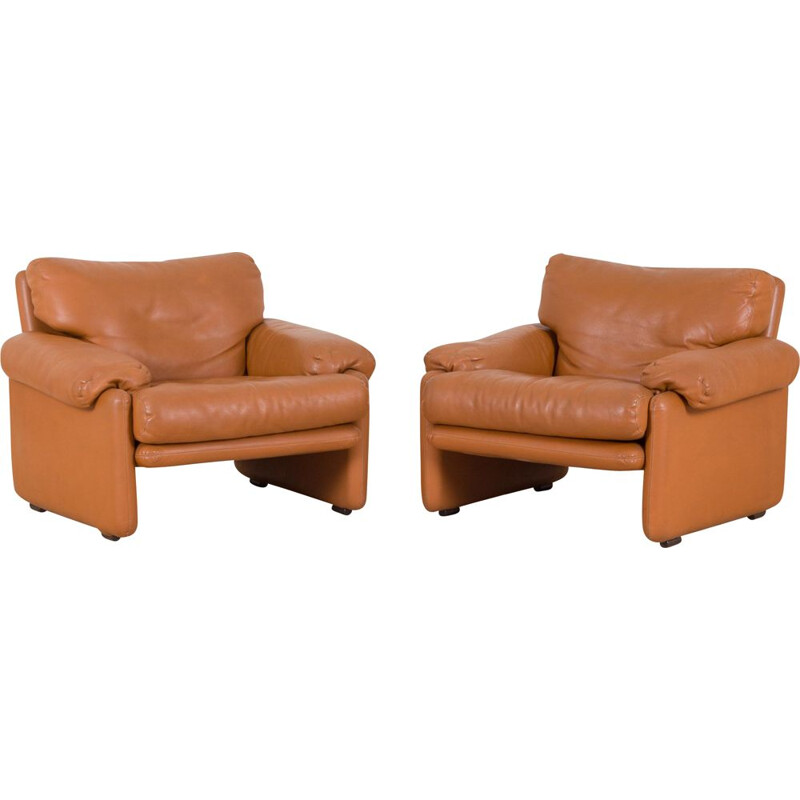 Pair of vintage B&B Italia Tobia Scarpa Coronado lounge chairs in light brown leather, 1970s