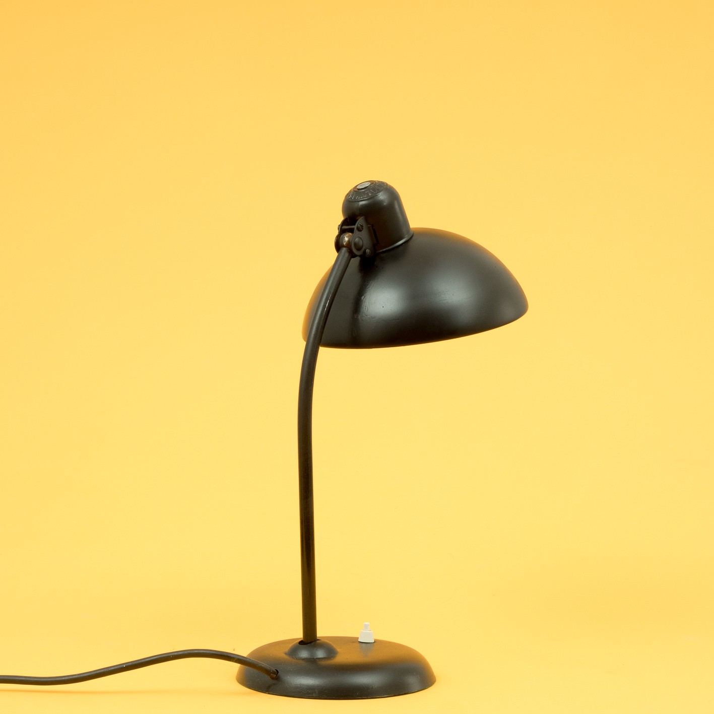 kaiser idell 6556 table lamp in metal 1960s design. Black Bedroom Furniture Sets. Home Design Ideas