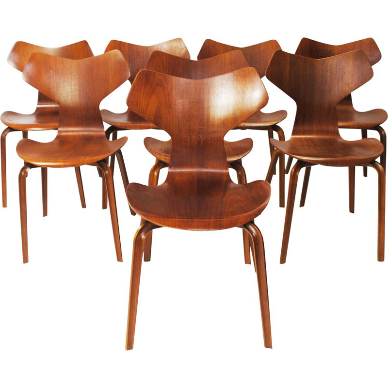 Lot of 8 vintage Grand Prix chairs by Arne Jacobsen 1957