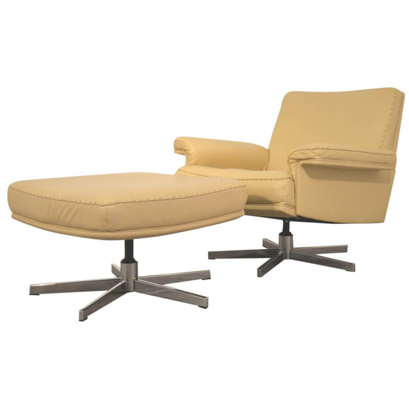 """De Sede """"DS 35"""" armchair with his ottoman in cream leather - 1970s"""